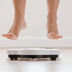 Benessere e peso corporeo con E2/NOMAc nell'arco della vita fertile